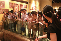上游棋牌微信房卡企业文化管理组参观良渚文化博物院