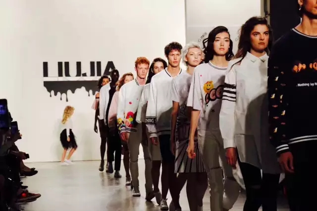 珀莱雅玩转纽约时装周,跨界合作展现东方魅力!